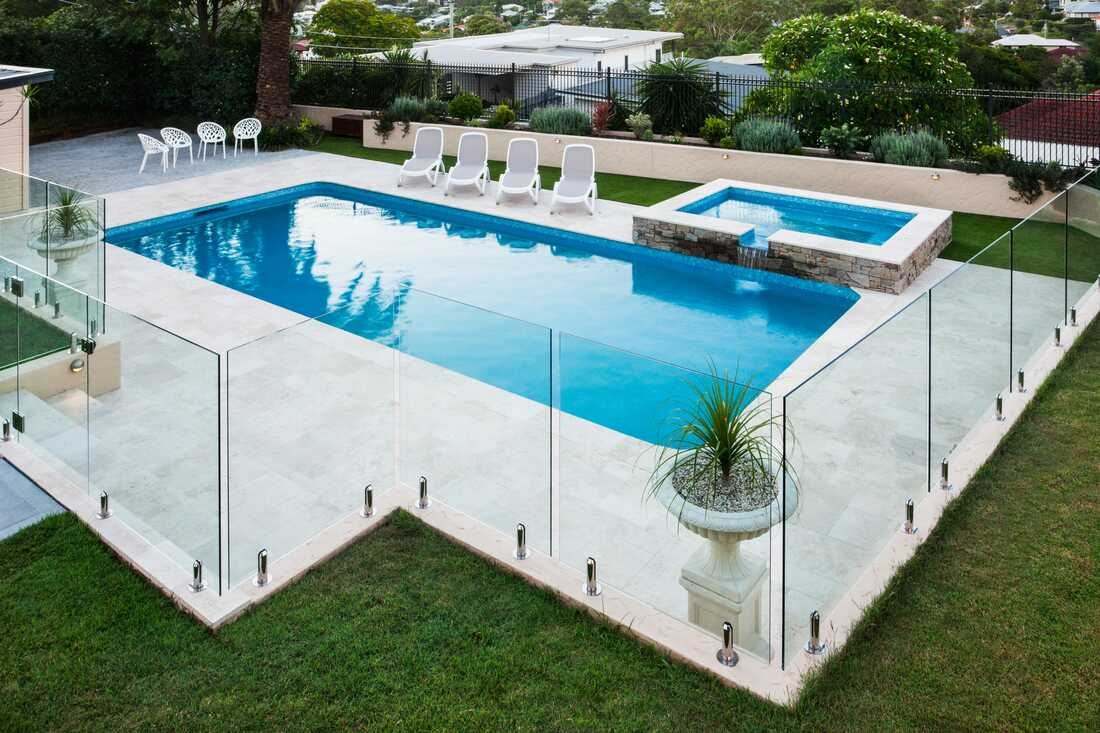wollongong swimming pool fencing and gates